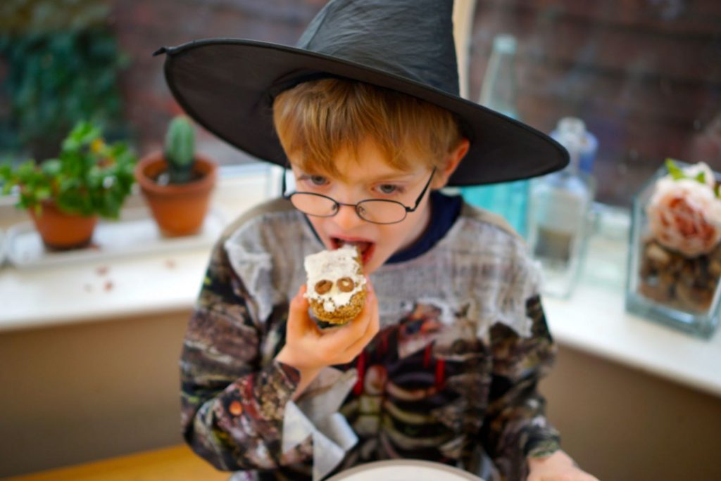 Simple halloween activities - Breakfast