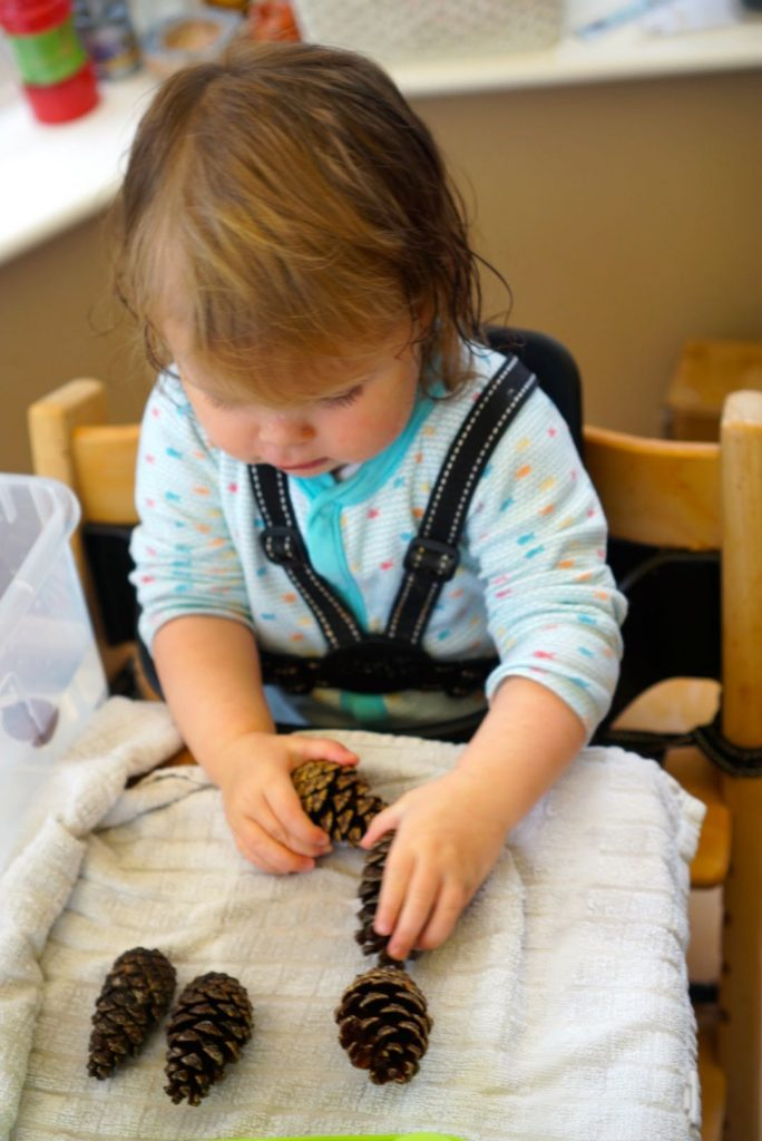 Autumn sensory play -water - an easy autumn activity for toddlers and beyond.