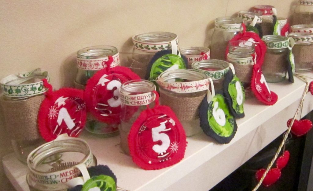 Advent Jars - Alternative advent calendar with gifts and activities